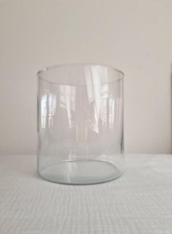 MT043 - 2€  Vase cylindrique 20.5 X18CM   Quantité: 9