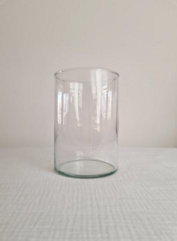 MT042 - 1.50€  Vase cylindrique 17.5cmx12cm   Quantité: 5